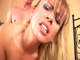 adele blond mother id like to bang with giant