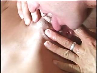 mature babe zana gets a little licking deed