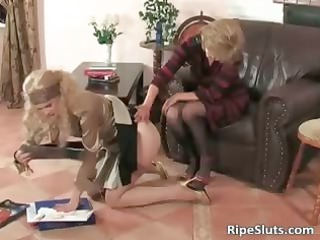 horny ancient bitch puts strap on sex device part2