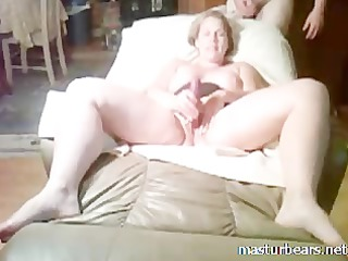 milf whore stuffing kitty with finger and fuck