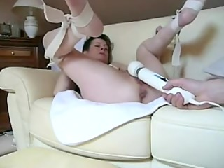 dirty sweetie acquiring vibrated into horny cleft
