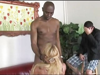 taylor wane blonde lady performing a uneasy lick