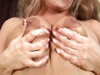 naughty woman elea adams gets a lovely vibrator