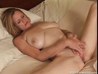 grown-up trailer trash amateur with huge tits