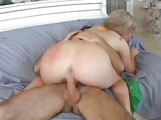 magnetic blonde momma with giant booty rides