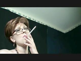 smokin like lady smokin and dancing