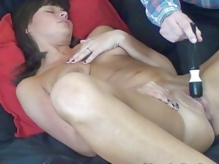 belle with snapping cave climax squirts with help