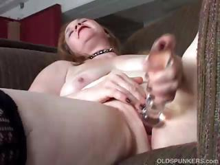 sweet cougar chick has a fat wet kitty
