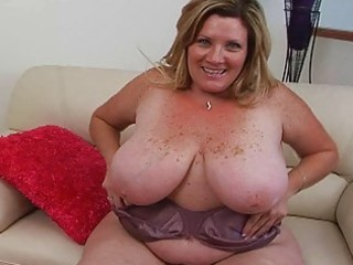 plump blond albino momma sticks huge drill
