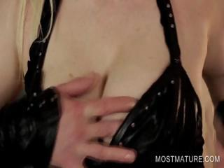mature inside latex laboring giant breast