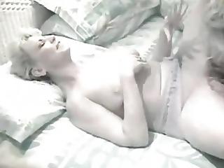 elderly homosexual women