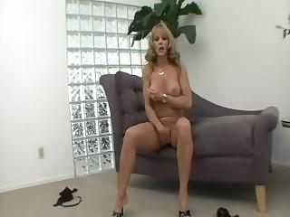 hot lady shayla laveaux goes naked to lick and