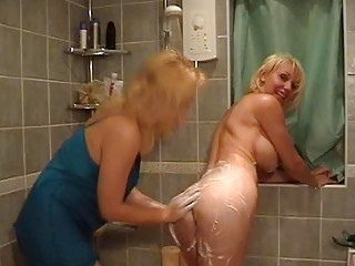 awesome pale mommas with awesome bossom having