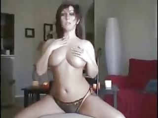 hot babe dancing