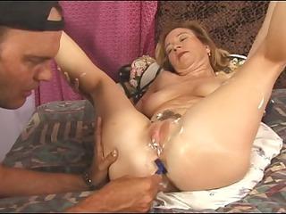 slut shaving her giant kitty
