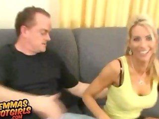 blonde housewife 4