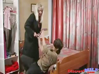 cougar russian cougar fucked by sextoy and libido