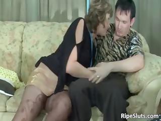 desperate grownup brunette sucks on stiff part2