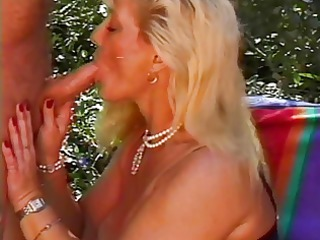 elderly queen leah fucked poolside