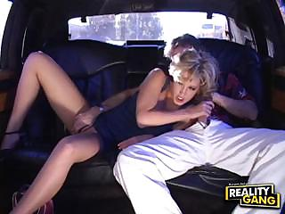 sexy mom knows how to use dick