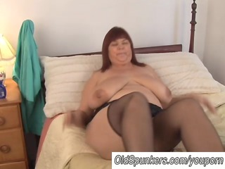 sexy busty babe in nylons