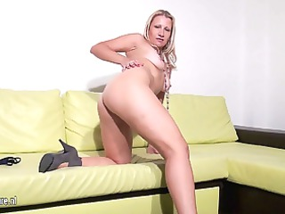 blond momnextdoor masturbate alone