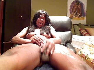 ebony woman play with a vibrator 1