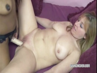 lesbo kelly fucks curvy liisa with her strapon