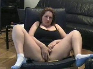 self recorded cougar bitch masturbating