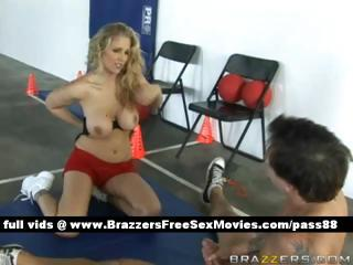 cougar blonde chick on the floor takes a blowjob