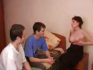 pregnant brunette woman obtains fucked