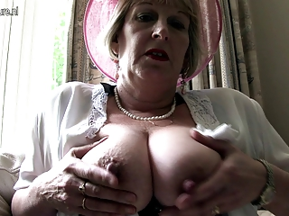 classy mother from london going horny
