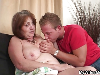 old bag drives fresh dick and his wife comes into