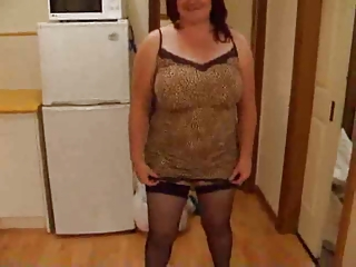 plump wife stripping