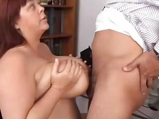 huge boobs cougar bbw adores to lick penis
