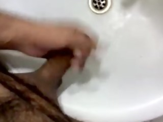 me masturbating in my women washroom sink!