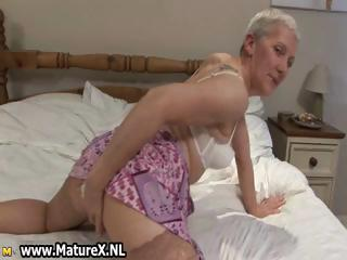old loves putting on nylons part4