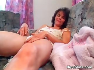 desperate mature brunette obtains wet shaggy