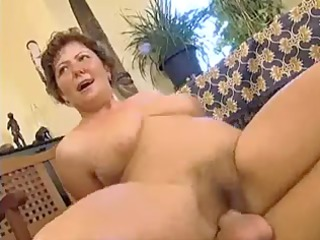 overweight woman with unshaved cave