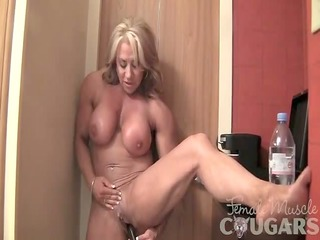 little sweetheart vibes her large clit