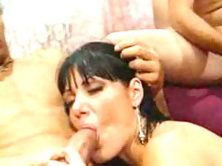 groupsexed mature lady