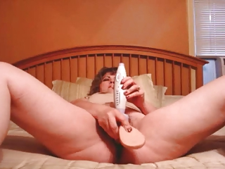 slut lady fucks herself - self spilled