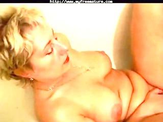 pure lady (amaterur) into bathtub older grown-up
