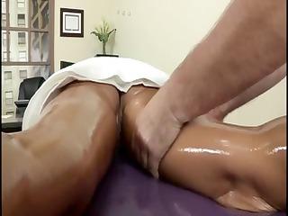 brunette chick loveliness ava calls her masseur