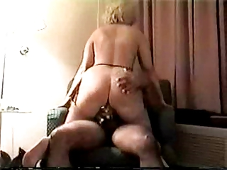 mature bleached goes anal inside a motel