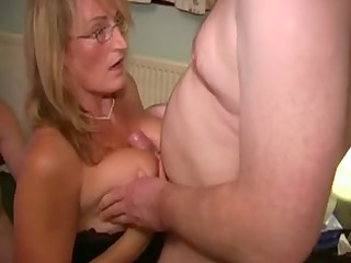 english wench mother likes sperm facual cum