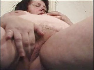 chunky milf didles with her chucky bitch fm14