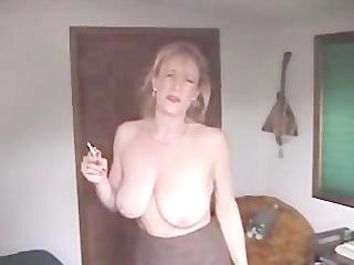mary hot smoking porn horny woman