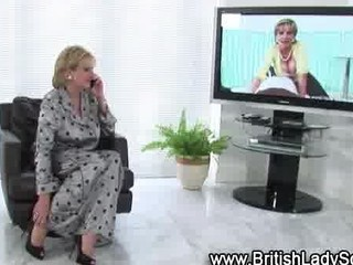 desperate older brit into nylons