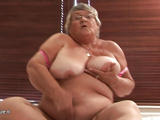 old fresh elderly masturbate on cam